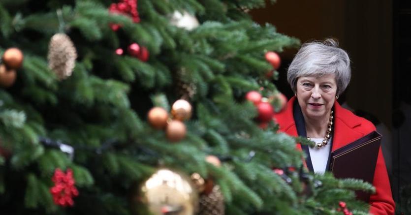 Theresa May lascia il 10 Downing Street ioggi a Londra